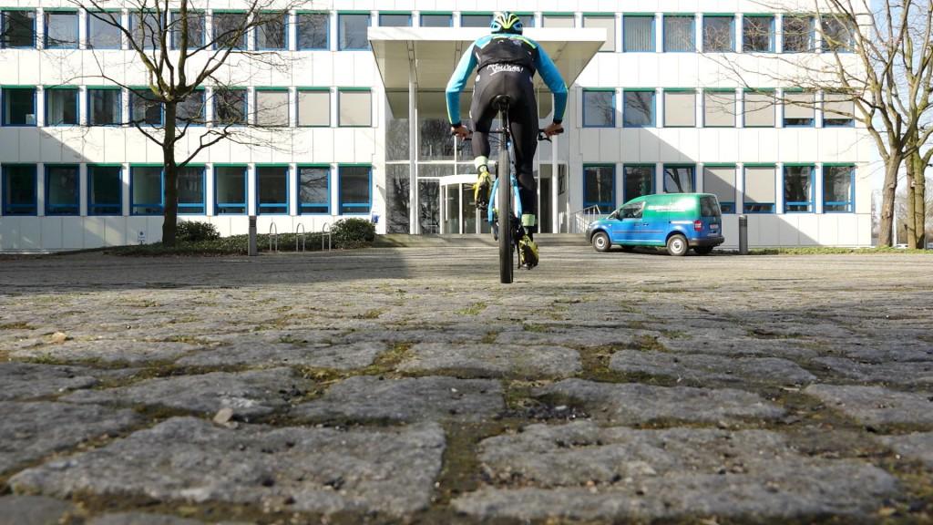 Ben Zwiehoff auf dem Mountainbike bei Gelsenwasser