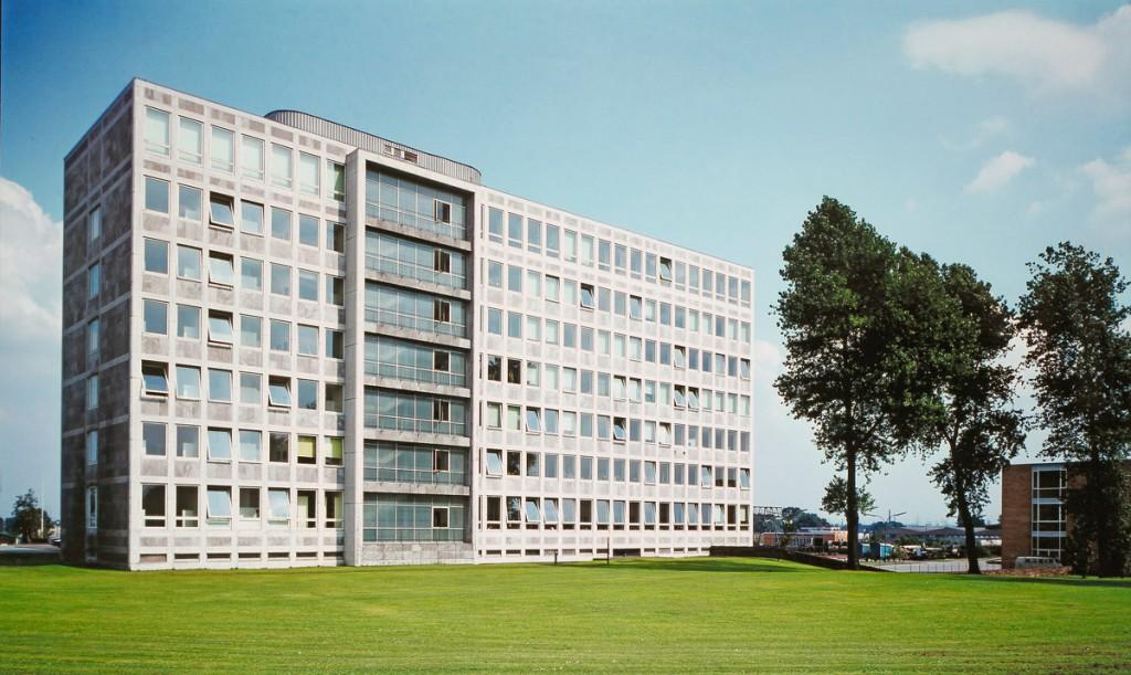 Die Gelsenwasser-Hauptverwaltung in Gelsenkirchen 1962. Die Wasserversorgung ist bis heute Kerngeschäft der Gelsenwasser.
