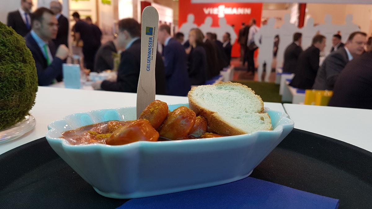 54 kg Currywurst gingen bei der E-world 2018 über die Gelsenwasser-Theke.
