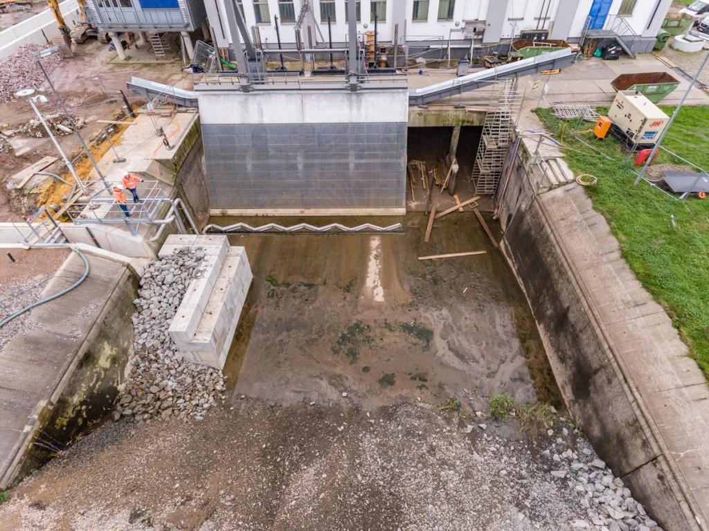 Der große Rechen im Wasserkraftwerk Bochum-Stiepel wurden erneuert.