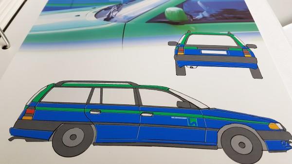 Mit dem neuen Logo kamen 1973 wurden auch unsere Fahrzeuge blau-grün. Das ist bis heute so!