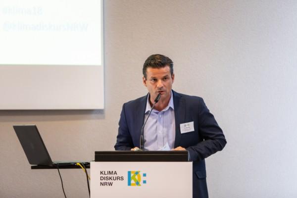 Quartiere: Gelsenwasser-Politikexperte Dr. Arnt Baer bei der Veranstaltung von KlimaDiskurs.NRW zur Kälte- und Wärmewende