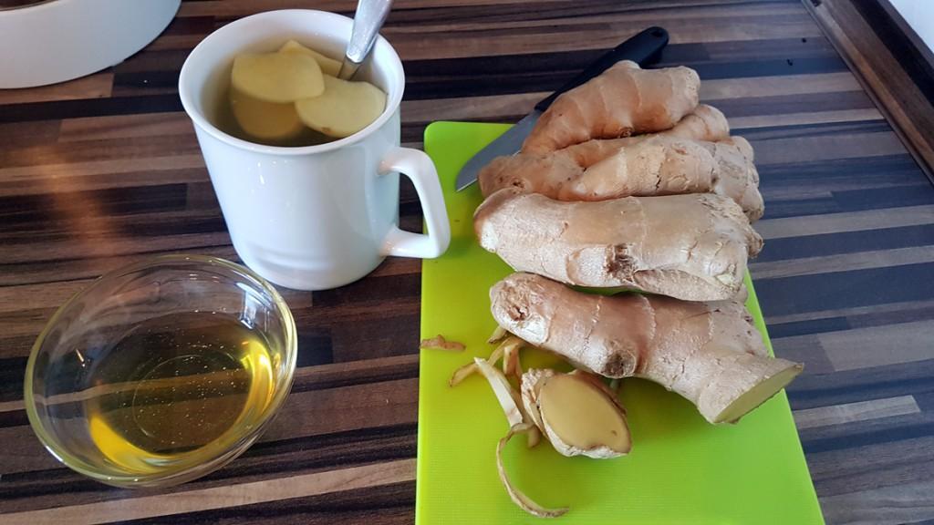 Für ingwer-Tee Scheiben dünn schneiden