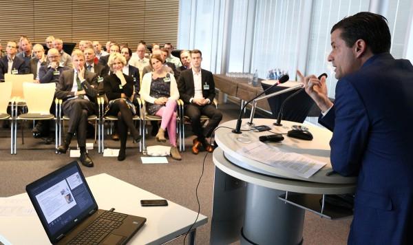 """Beim """"Technischen Erfahrungsaustausch Wasser"""" bei Gelsenwasser diskutierten Wasserversorger aus ganz Deutschland über die Regeln der neuen Trinkwasser-Richtlinie."""
