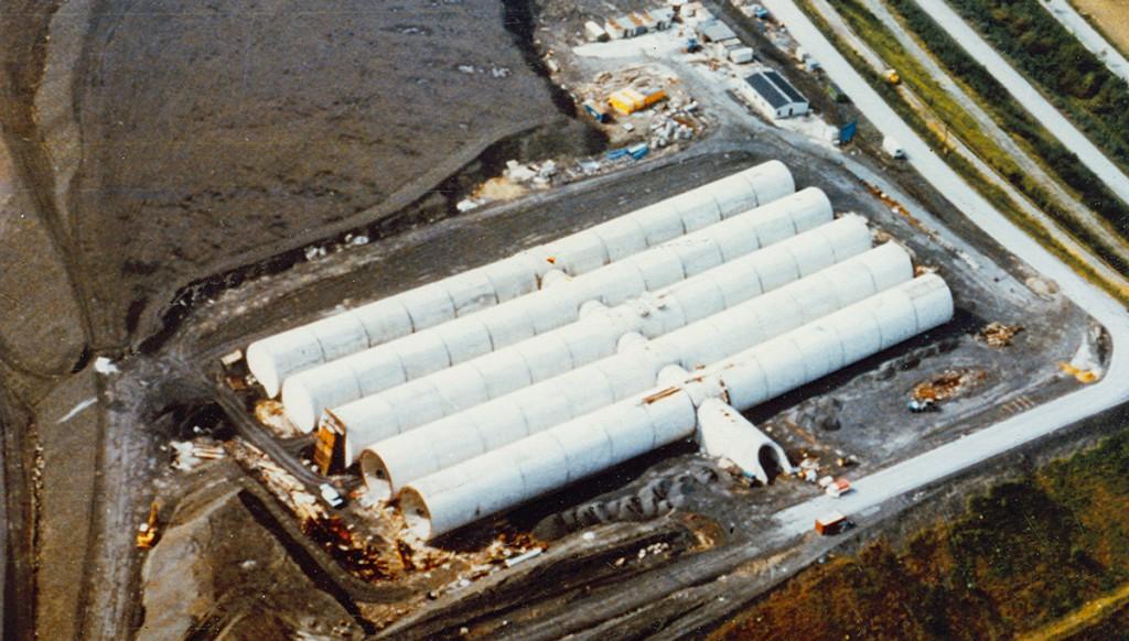 Die Bauzeit des Wasserspeichers betrug drei Jahre. Anfang der 1980er Jahre waren Größe und Konstruktion eine Sensation.