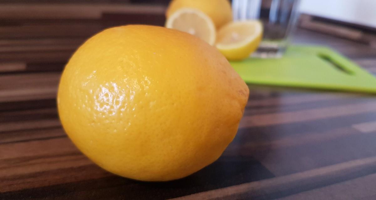 Zitronenwasser: Hausmittel als Gesundheitsbooster