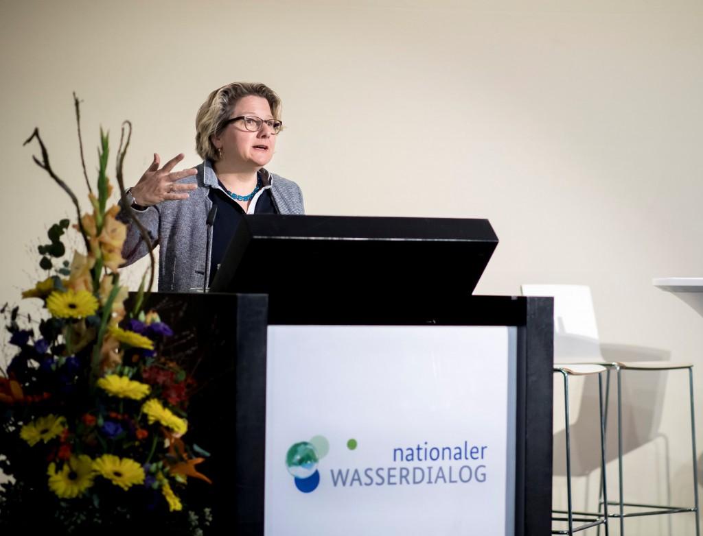 """Bundesumweltministerin Svenja Schulze eröffnete den """"Nationalen Wasserdialog"""", der jetzt in die zweite Phase gestartet ist."""
