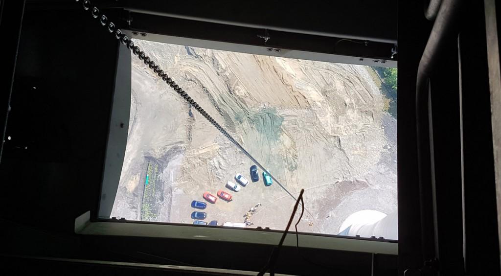 Höhenrettung am Windrad: Blick aus der Revisionsluke aus 150 Metern Höhe.