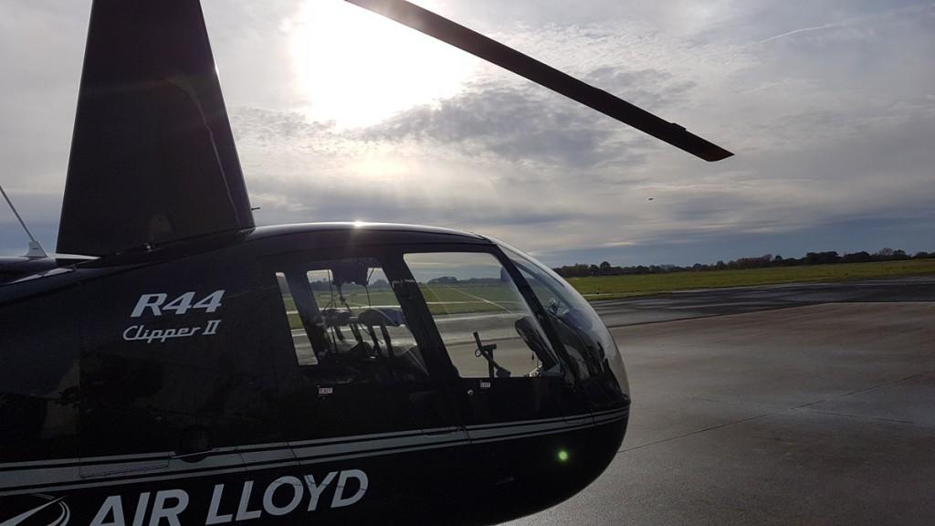 Schnell und wendig: Mit einem Hubschrauber lassen sich Kontrollflüge über Wasserschutzgebiete optimal erledigen.