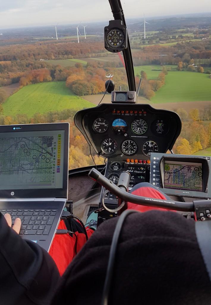 Im Heli-Cockpit während der Kontrolle der Wasserschutzgebiete.