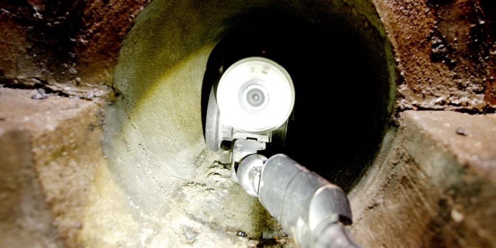 Kamerafahrten sind eine Möglichkeit, die Dichtigkeit von Abwasserleitungen zu prüfen.