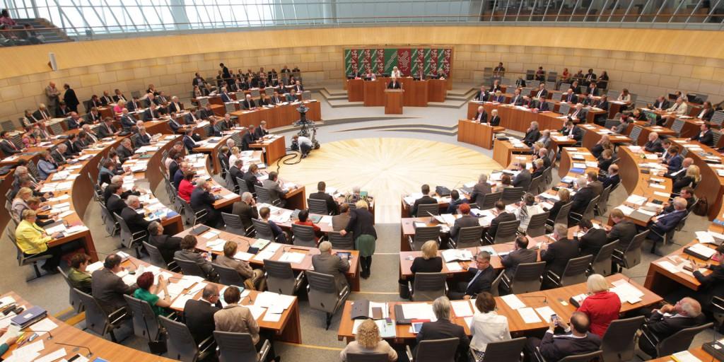 Wasser-Debatte im NRW-Landtag: Es muss in Infrastruktur investiert werden.
