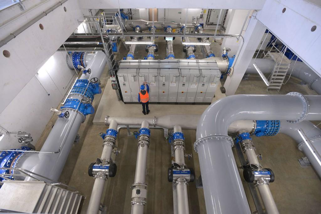 Erst unsere Infrastruktur (hier unser Verbundwasserwerk in Essen) macht aus dem Rohstoff das Produkt Trinkwasser und bringt es in einwandfreier Qualität in die Haushalte. Dafür sind Investitionen nötig.