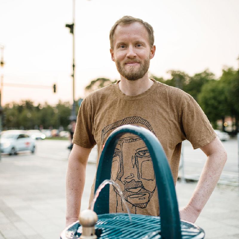 Samuel Höller von a tip:tap engagiert sich für Trinkwasser