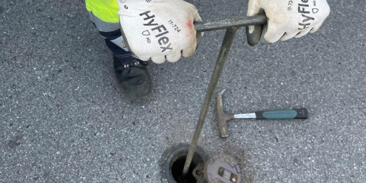 Unser unbeliebtester Job: Wasseranschlüsse sperren